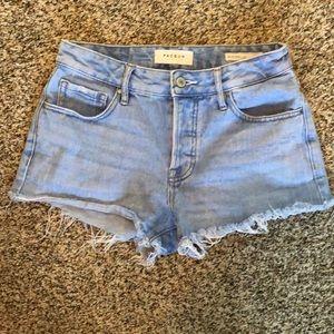 Jr's light denim wash Jean shorts